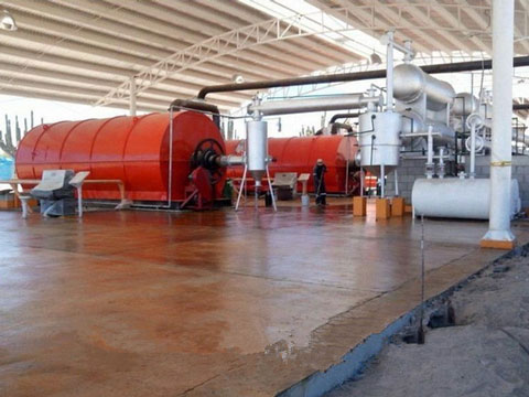 High oil output solid waste pyrolysis plant