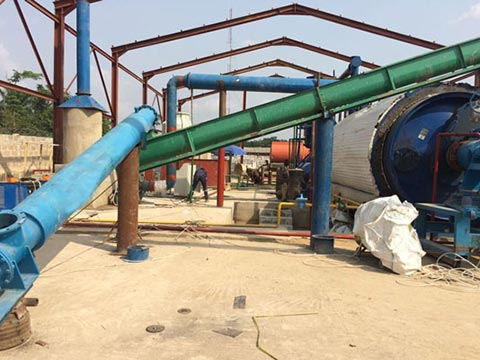 Pyrolysis of solid waste