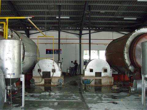 Batch pyrolysis plant in China